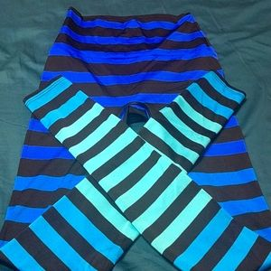 K-Deer size small blue and black striped leggings